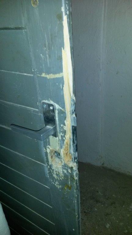 dveře - sklep neodolal