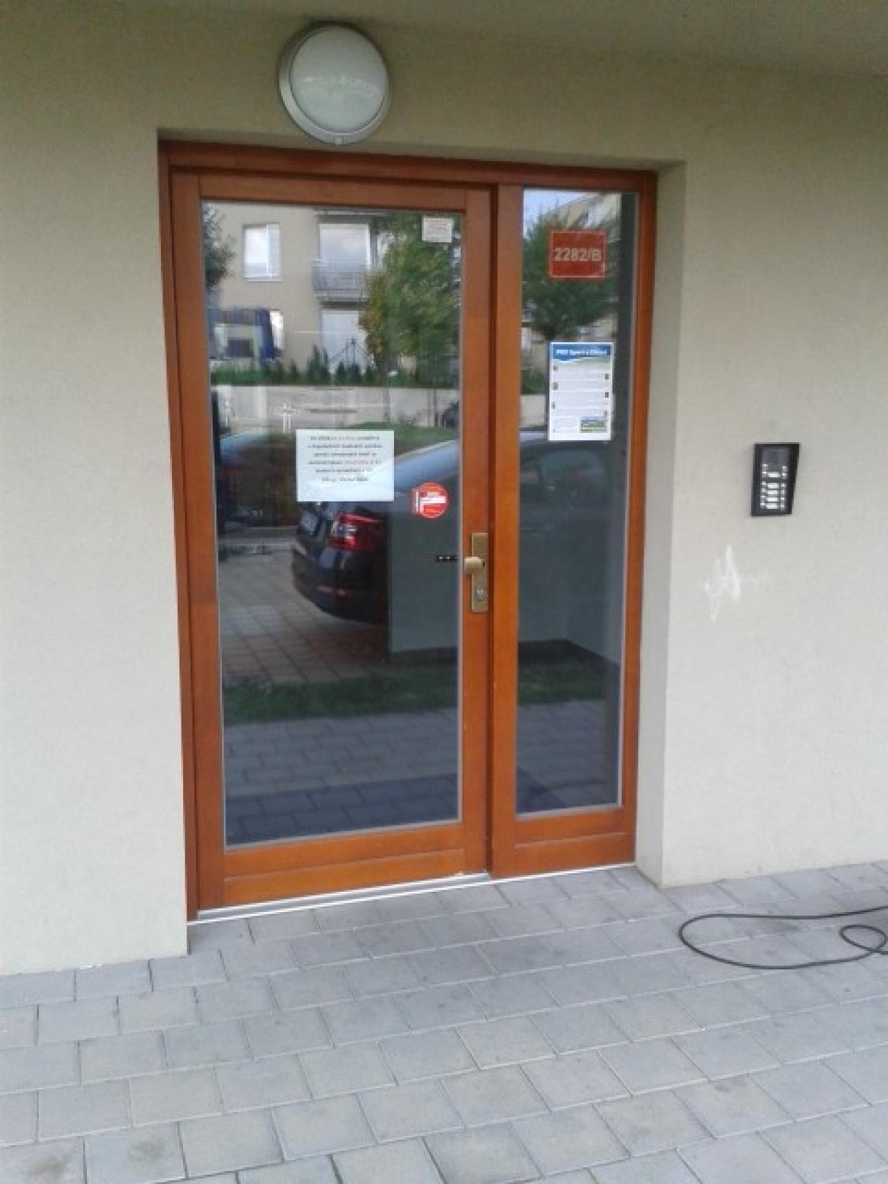 Dřevěné dveře - zámek 3bod Automatic GU