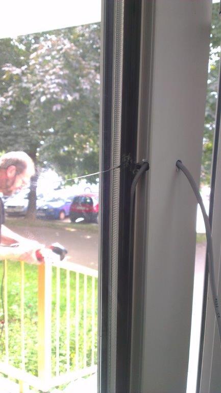 dveře - prasklé sklo